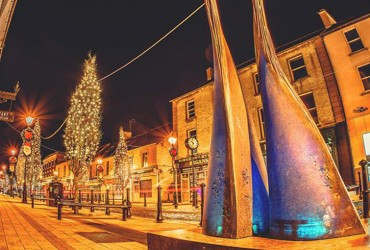 Photos of Ballina in Winter - Pearse Street by night