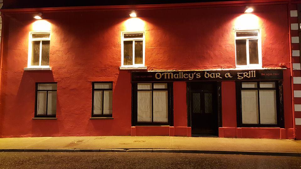 O'Malley's Bar and Grill, Crossmoliina