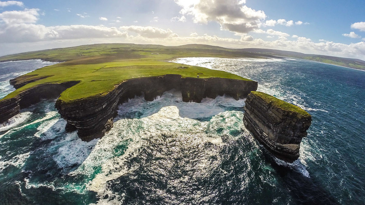 Downpatrick Head, North Mayo ©Fáilte Ireland