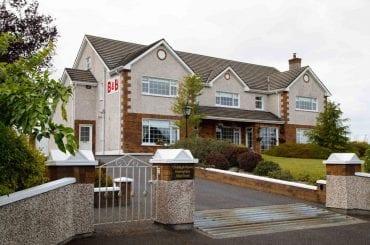 Exterior of Claddagh House B&B between Ballina and Enniscrone