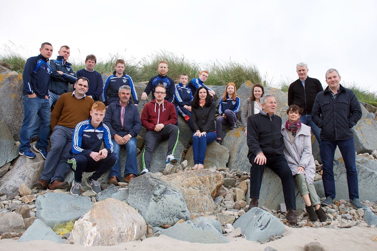 A group pictured on Ross Strand at the launch of the 2016 Ronan Clarke Trail Run in Killala, Co. Mayo