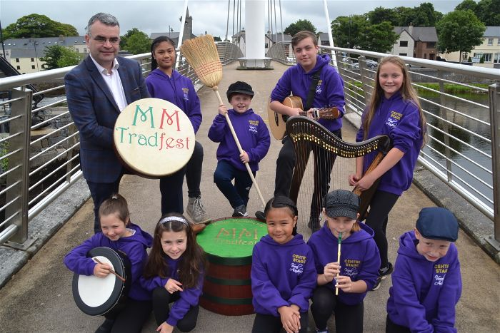 1 Centre Stage Vocal academy with Dara Calleary on bridge-opt Mayo Manchester Tradfest 2019