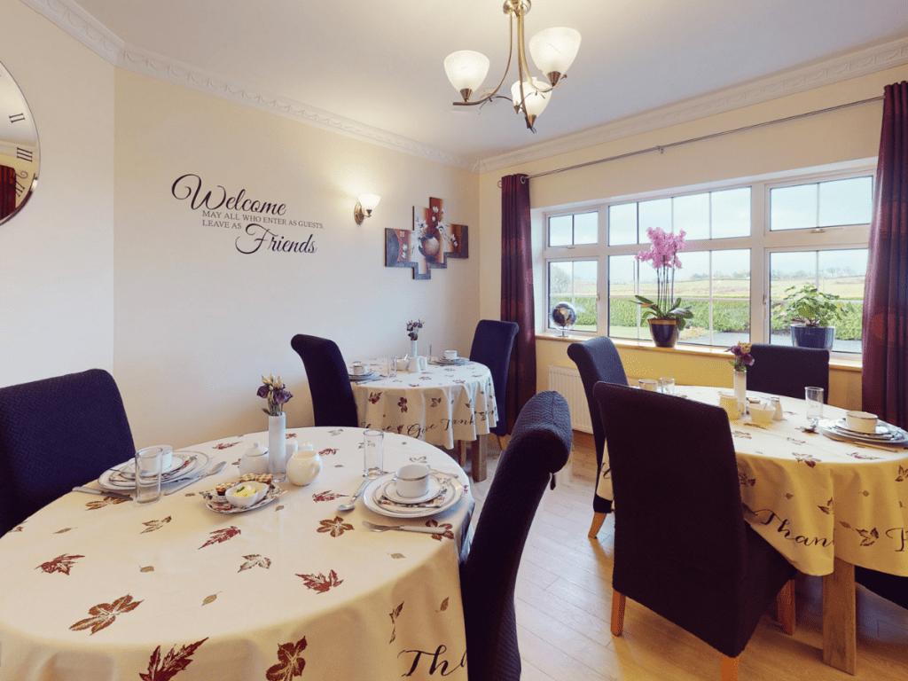 Ross Beach Family Farmhouse Dining Room